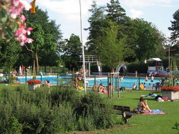Sommernachtsfest tourismus ihringen for Schwimmbad becken