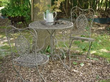 Garten Breisacher Tisch und Stuehle
